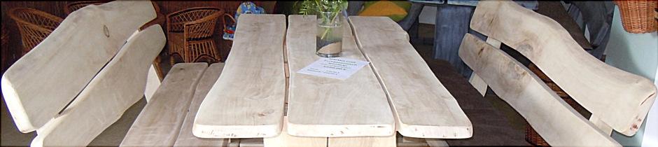 Terrassensitzgruppe aus massivem Holz